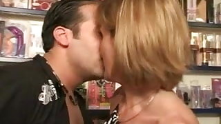 FRENCH MATURE 35 rectal ash-blonde mother milf and a junior fellow