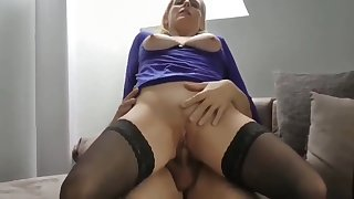 my real step mom let me cum in her pussy